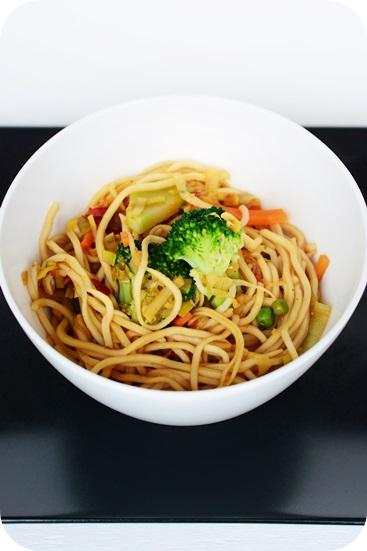 Wok-Gemüse mit Mie-Nudeln