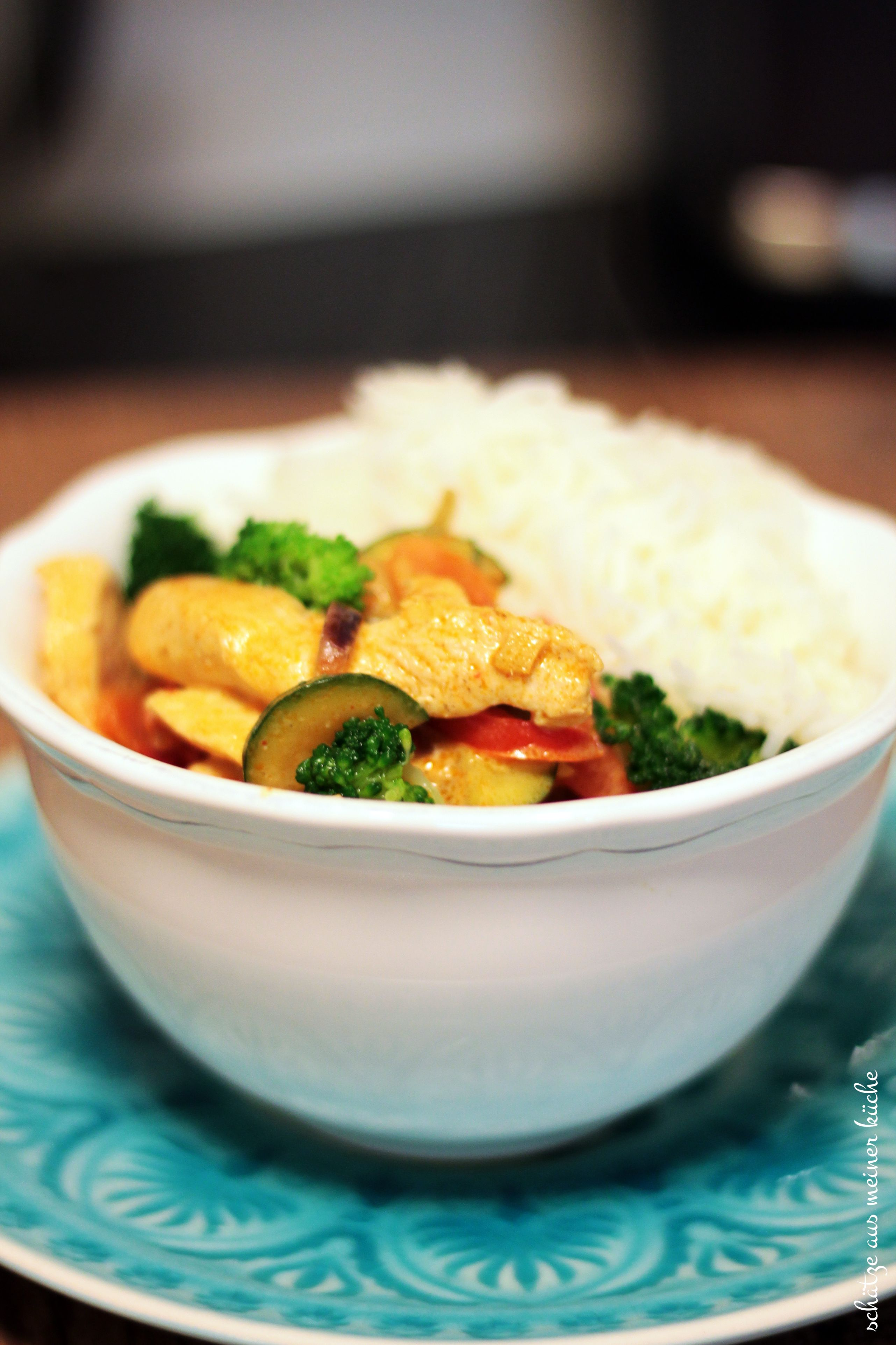 Rotes Thai-Curry mit Hühnchen & Gemüse