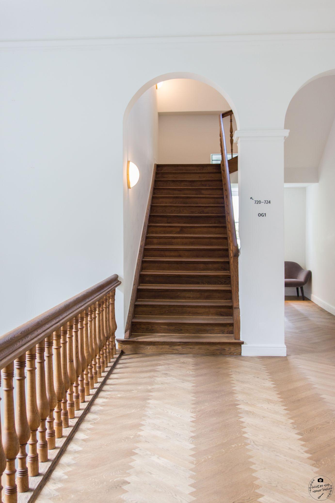 DAS TEGERNSEE Treppenaufgang Sengerschloss