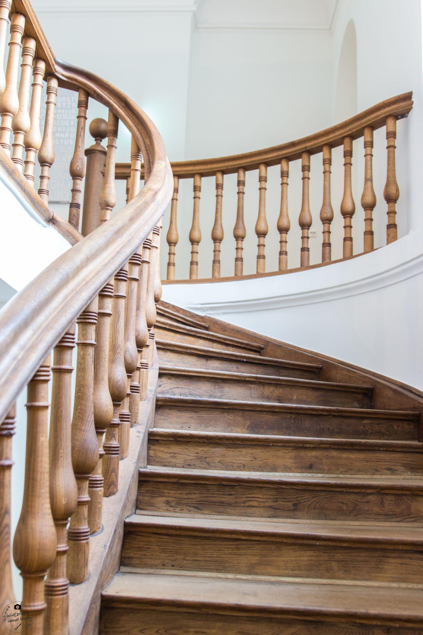 DAS TEGERNSEE Sengerschloss Treppenaufgang