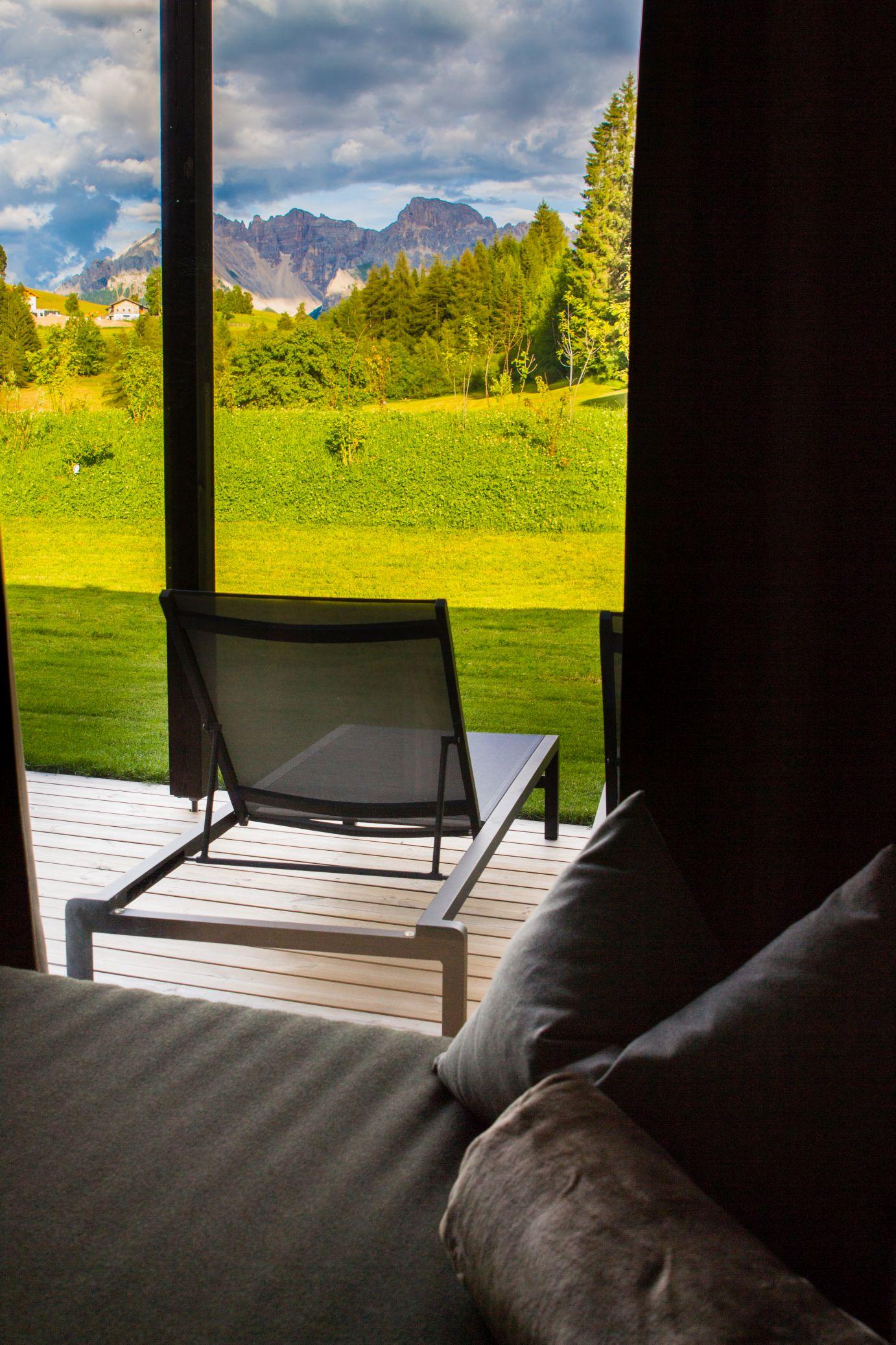 Terrasse Ausblick Alpina Zirben Zimmer Schätze aus meiner Küche Hotel Pfösl