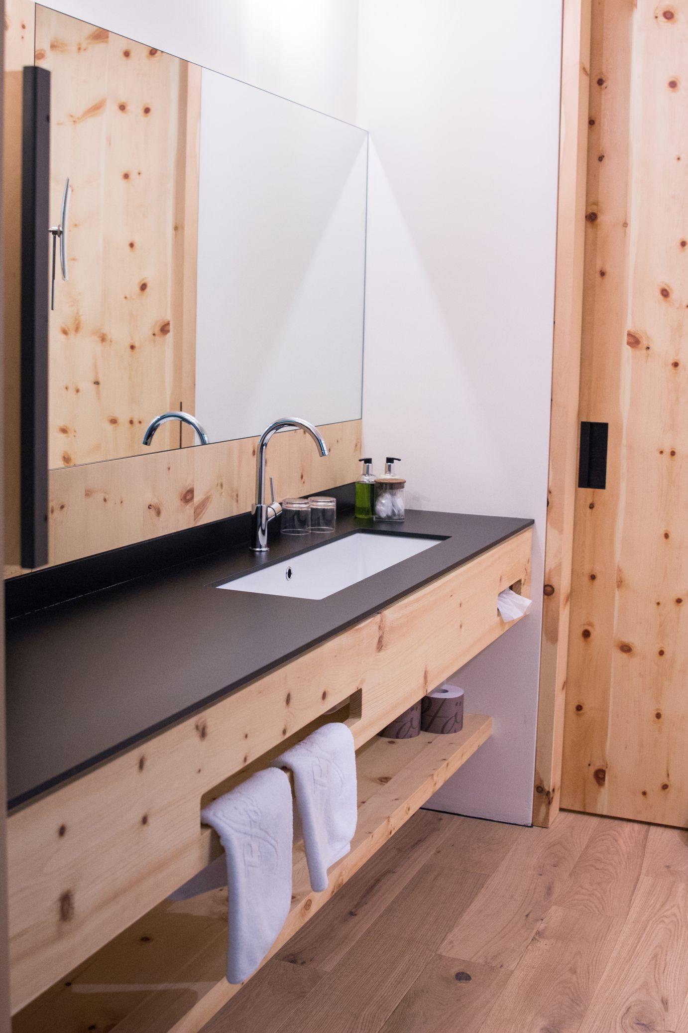 Hotel Pfösl Alpina Zirben Zimmer Bad Schätze aus meiner Küche
