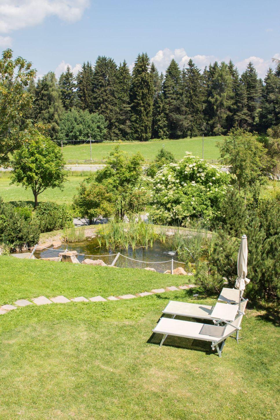 Hotel Pfösl Garten Schätze aus meiner Küche Naturteich