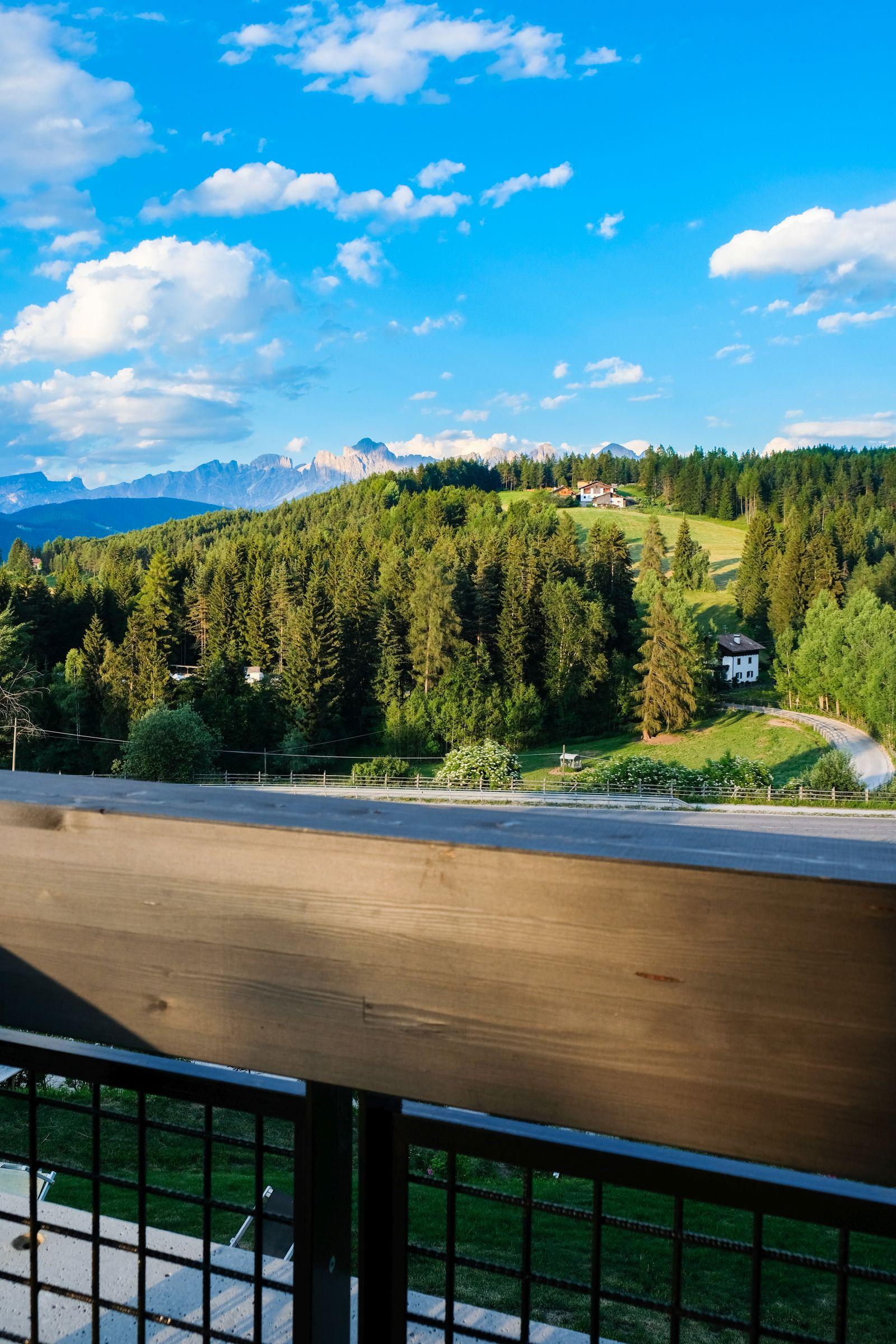 Hotel Pfösl Ausblick Terrasse Dolomiten Schätze aus meiner Küche