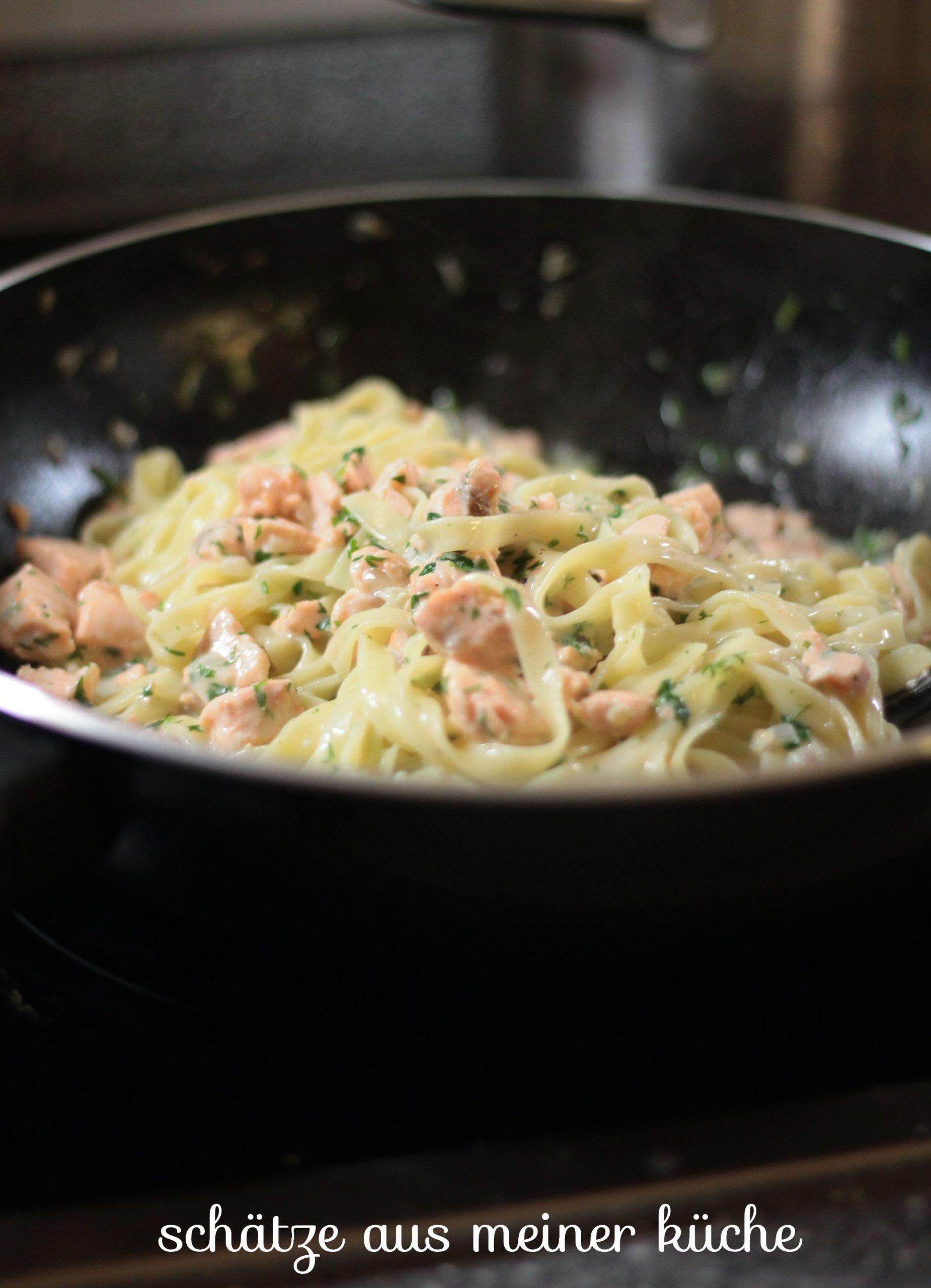 Tagliatelle mit Lachsfilet & Kräuter-Zitronensauce Schätze aus meiner Küche